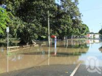 "<span class=""caption-caption"">Rising flood waters, Davies Park, Montague Road, West End, January 2011</span>. <br />Digital image, collection of <span class=""caption-contributor"">Liz Jordan</span>."