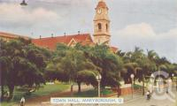 "<span class=""caption-caption"">Town Hall, Maryborough</span>, c1950. <br />Postcard folder by <span class=""caption-publisher"">Murray Views Pty Ltd</span>, collection of <span class=""caption-contributor"">Centre for the Government of Queensland</span>."