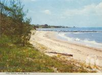 """<span class=""""caption-caption"""">Point Vernon, Hervey Bay</span>, c1970. <br />Postcard folder by <span class=""""caption-publisher"""">Murray Views Pty Ltd</span>, collection of <span class=""""caption-contributor"""">Centre for the Government of Queensland</span>."""